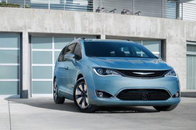 2017 Chrysler Pacifica Hybrid_f