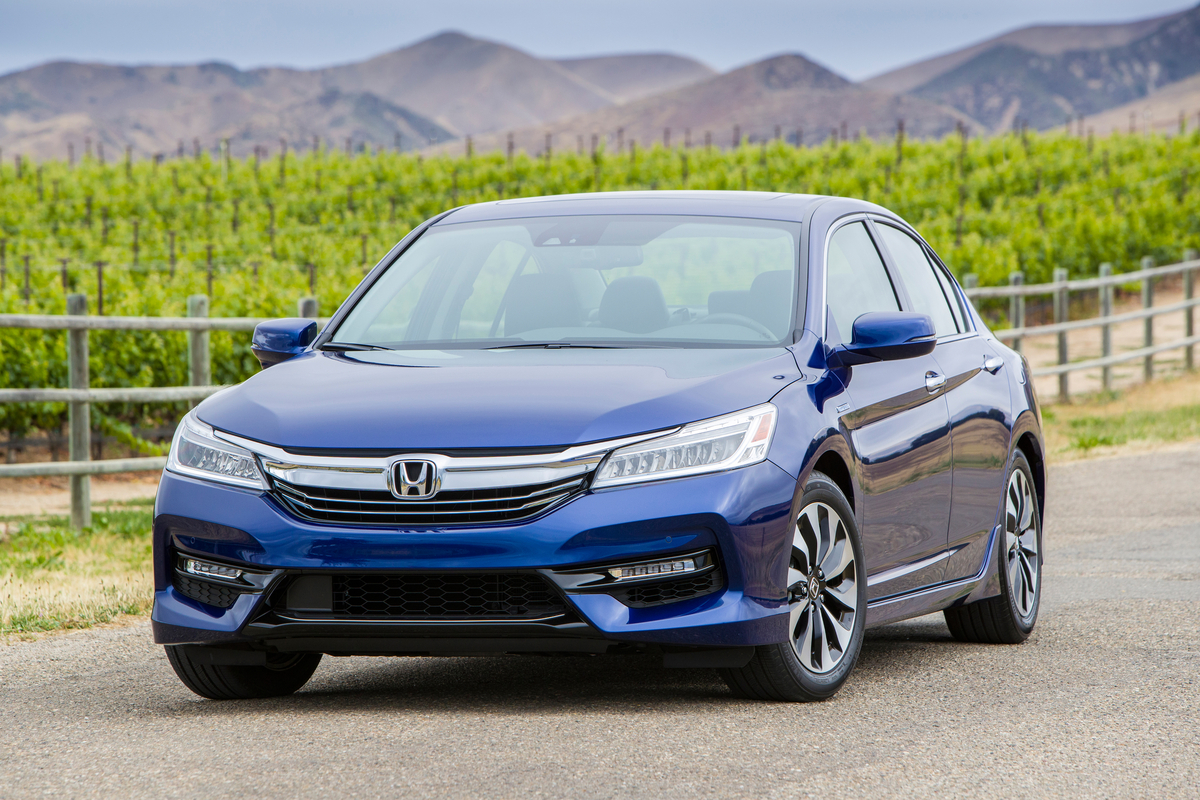 honda unveils 2017 accord hybrid the green car guy. Black Bedroom Furniture Sets. Home Design Ideas