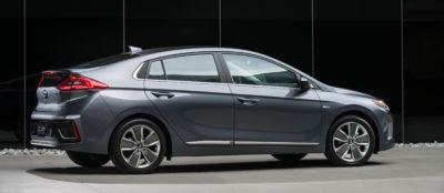 2017 Hyundai Ioniq right ppofile
