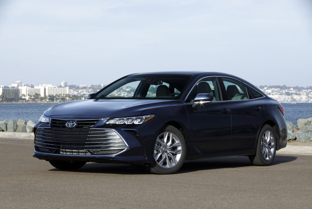 2019 Toyota Avalon Hybrid Pricing And Fuel Economy The