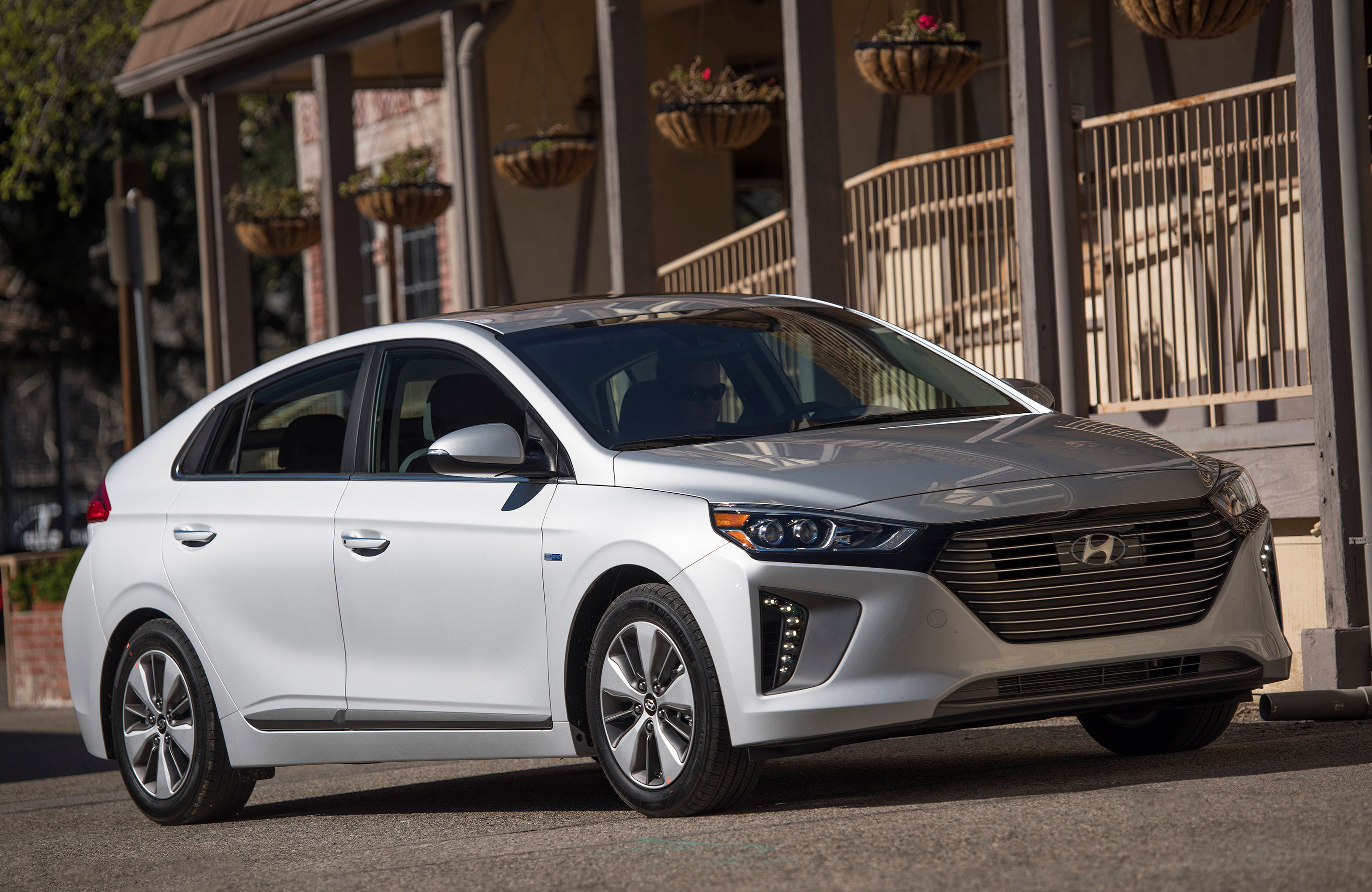 Ioniq PHEV Rounds Out Hyundai's Low-Emissions, High ...