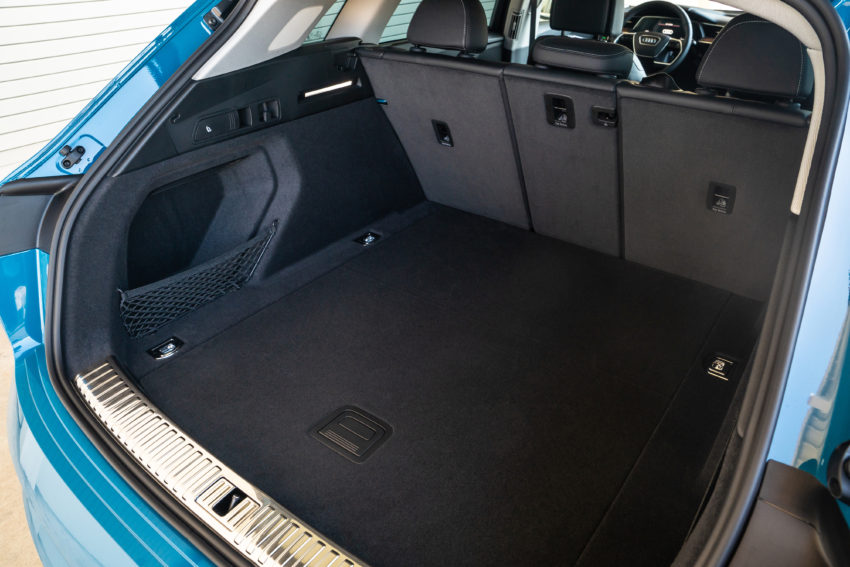 Audi e-TRrn cargo area