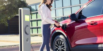 2020 Escape PHEV Takes Fuel Efficiency Lead